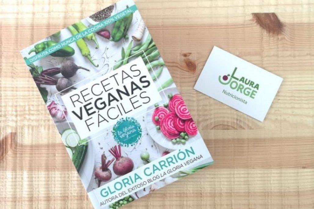 Presentación-del-libro-de-La-Gloria-Vegana.-705x528-1